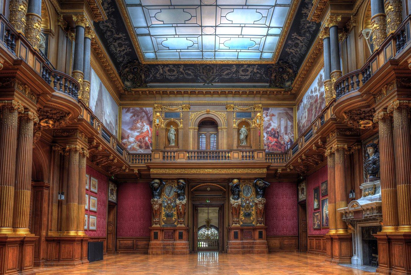 Chateau de Ferrieres - Great Hall.jpg