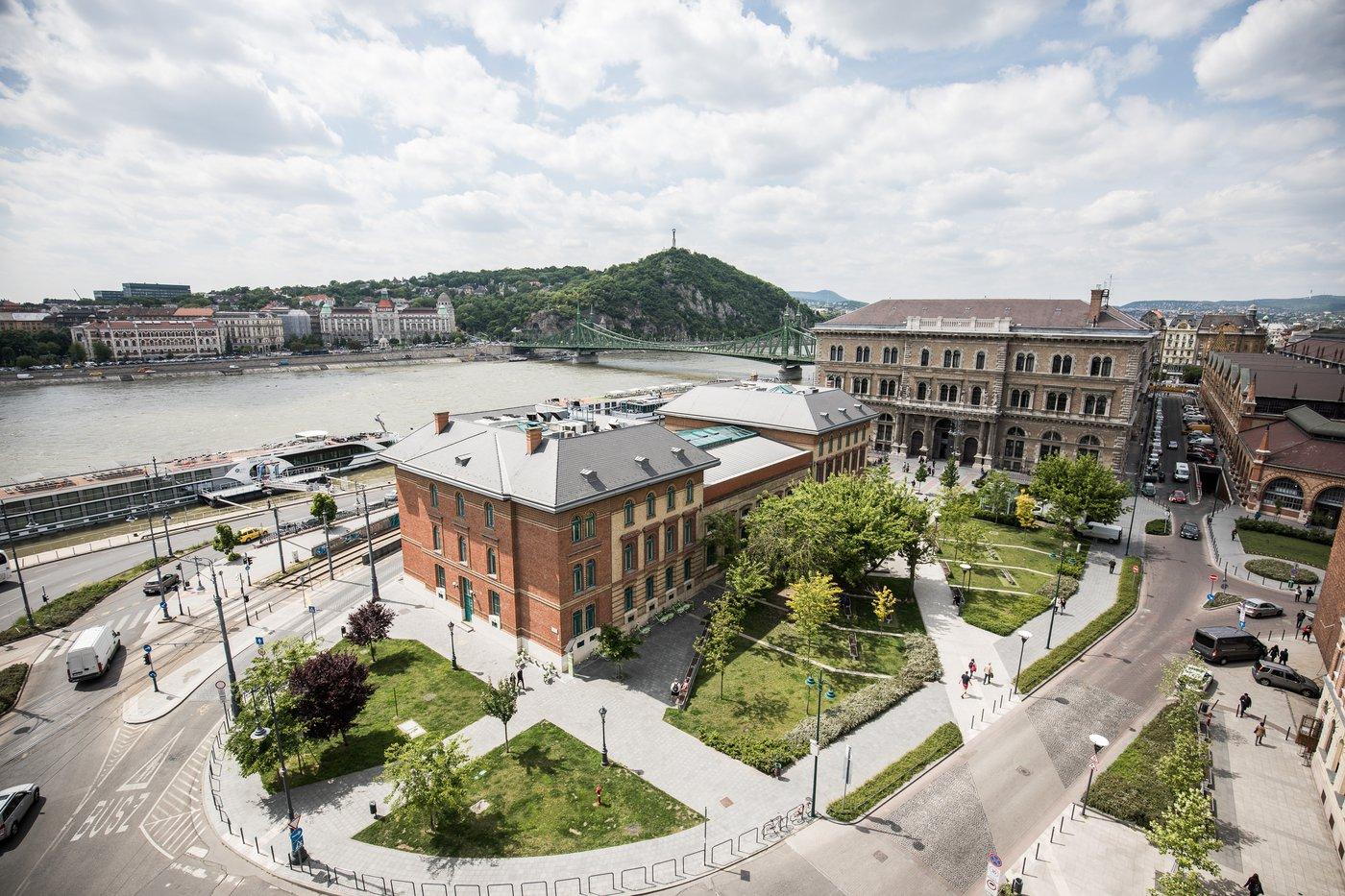 Overall_1_Campus_Corvinus-University-Main & S building.jpg