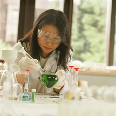 female lab.jpg